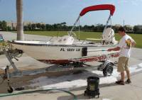 Marine_31_Boat_Washing_0231.jpg