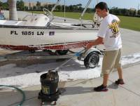 Marine_31_Boat_Washing_0261.jpg
