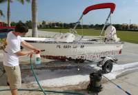 Marine_31_Boat_Washing_0291.jpg