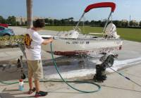 Marine_31_Boat_Washing_0301.jpg