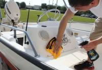Marine_31_Boat_Washing_0401.jpg