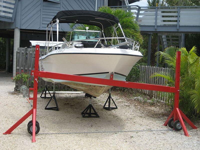 Portable Aluminum Boats : Taking aluminum boat off trailer
